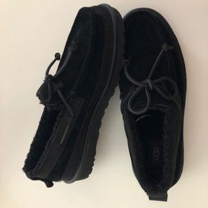 UGG Dex Shearling Lined Black Loafers. Size 10